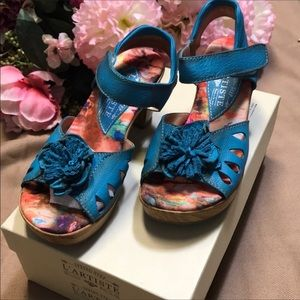 Brand new L Artistie spring step shoes